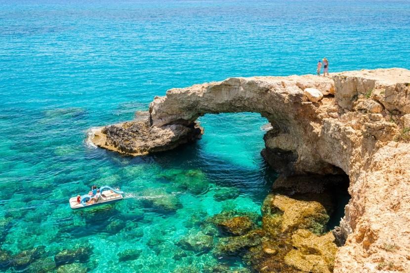 Most lásky, Kypr