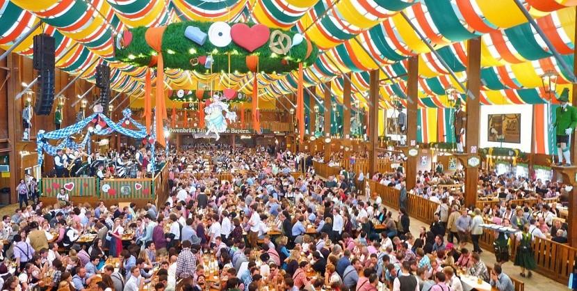 Pivní stan na Oktoberfestu