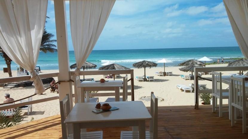 Restaurace na pláži, Boa Vista
