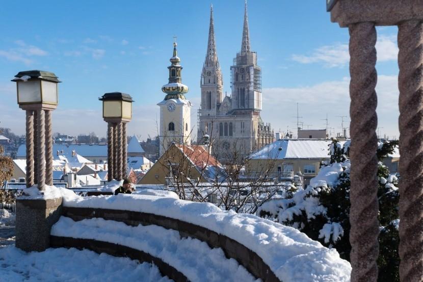 Záhřeb pod sněhem
