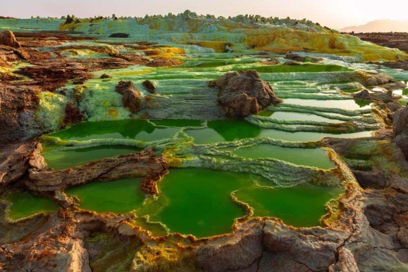 Vulkanická jezera v etiopském Dallolu