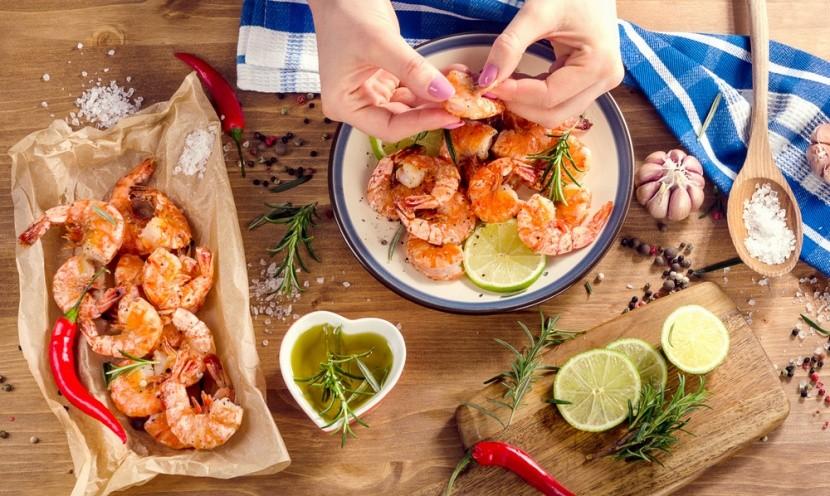 Neloupané krevety, můžeme jíst rukou
