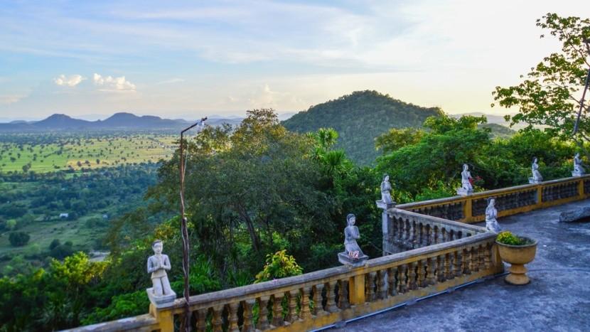 Výhled z Phnom Sampeau