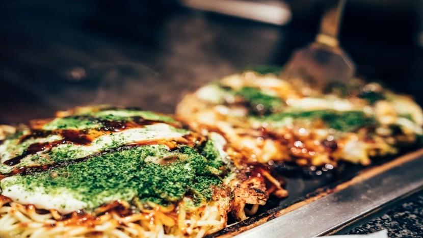 Okonomiyaki: japonská pizza ze zelného těsta