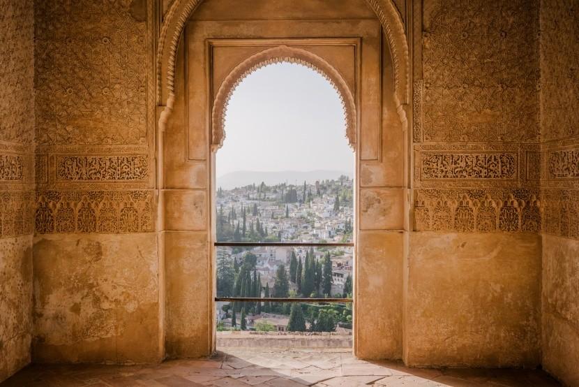 Malé i velké turisty okouzlí palác Alhambra
