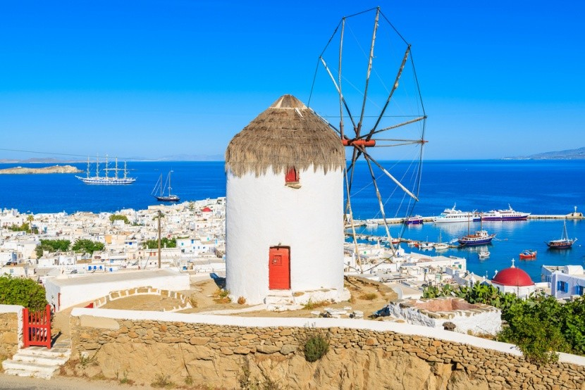 Větrné mlýny nad přístavem, Mykonos