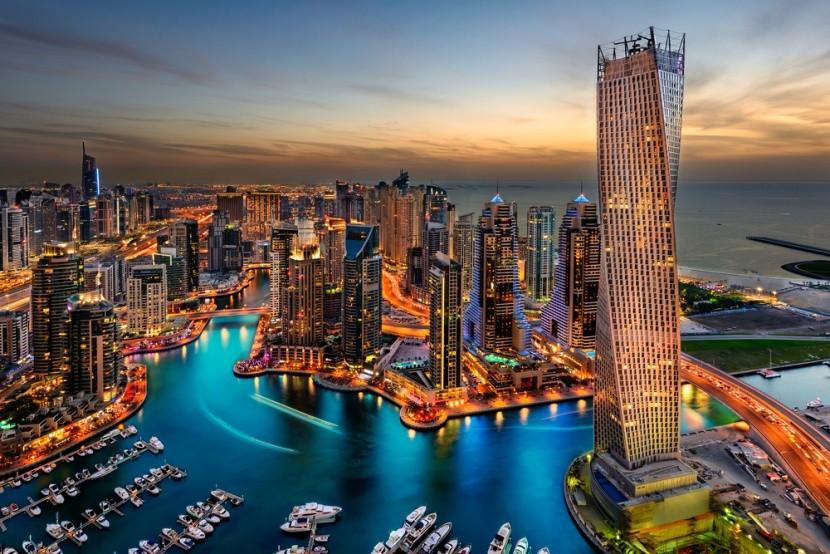Marína s mrakodrapy v Dubaji