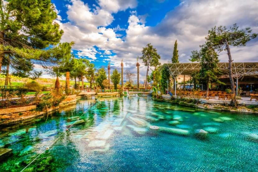 Kleopatřina lázeň, Pamukkale, Turecko