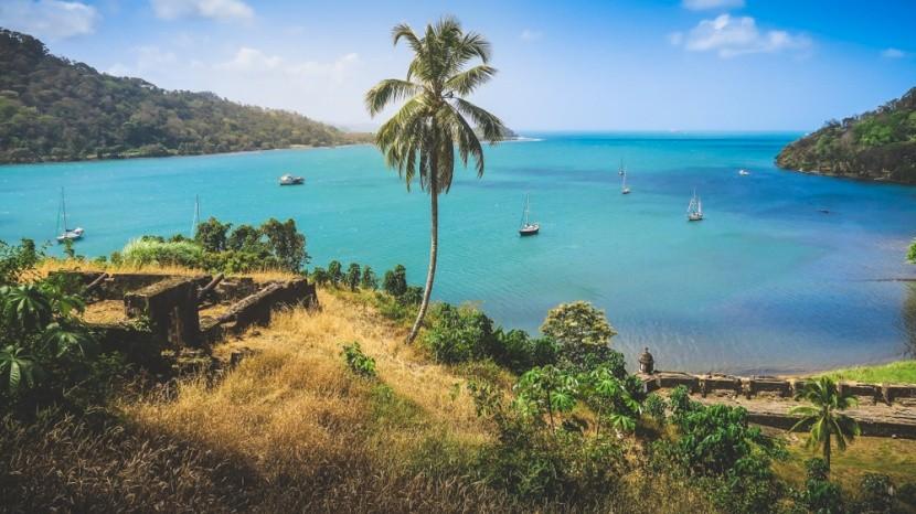 Záliv v Portobelu a historické kaňony
