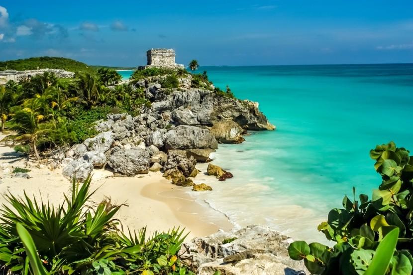 Ruiny mayské pevnosti, pláž Tulum a ještěr