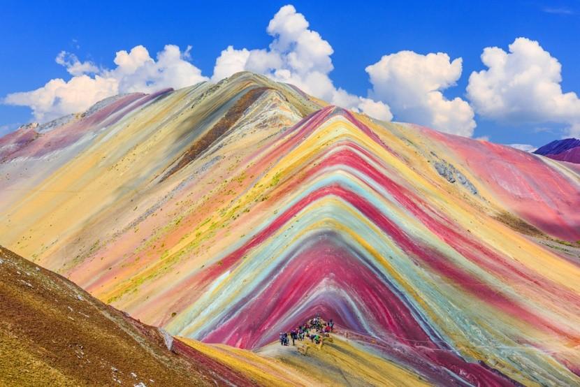 Duhová hora Vinicunca v Peru