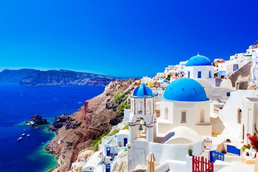 Malebný klid na ostrově Santorini v Řecku