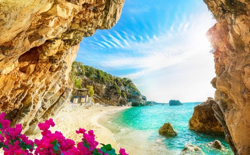 Božská pláž na řeckém ostrově Korfu
