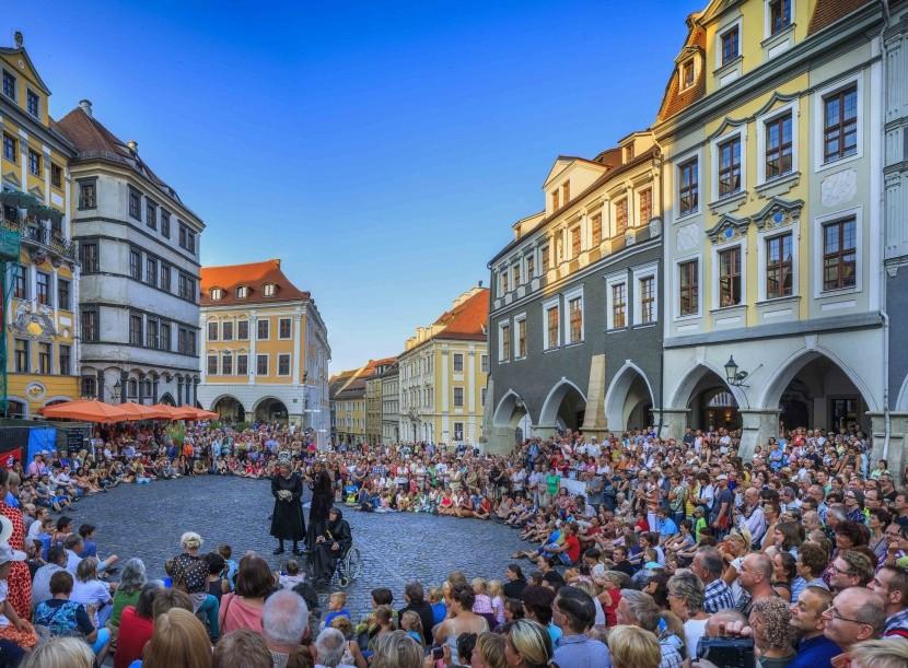 Pouliční divadlo