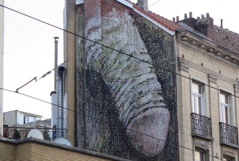 Obří penis v Bruselu