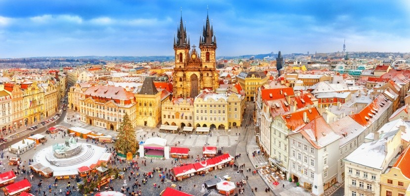Krásná stověžatá Praha