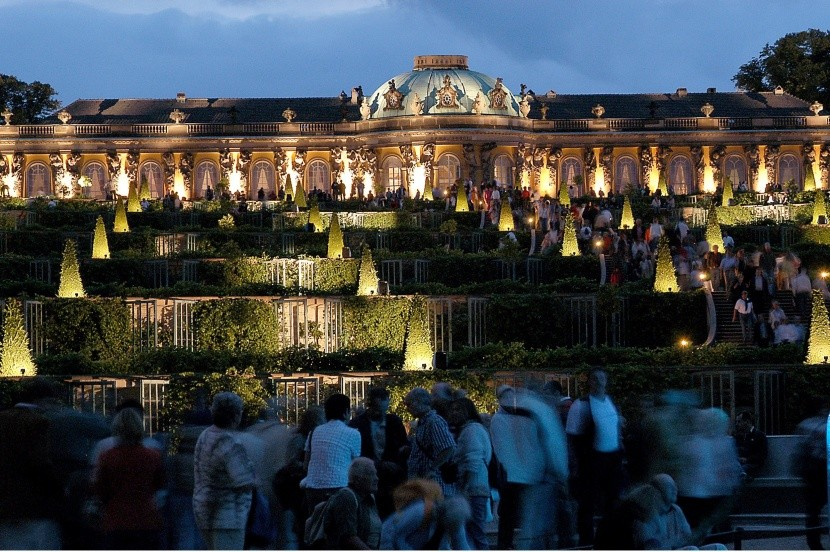 Zámek Sanssouci s terasami