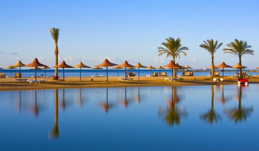 Pláž u Rudého moře, Egypt