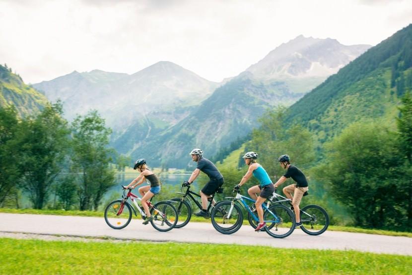 Rodinná dovolená na kole v Alpách